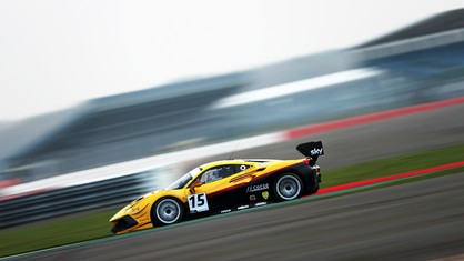 The three Ferrari 488 Challenge Evo 2020 cars competing in the final round of the British GT Championship, held last weekend at Silverstone, turned out very consistent, if somewhat unlucky performances.