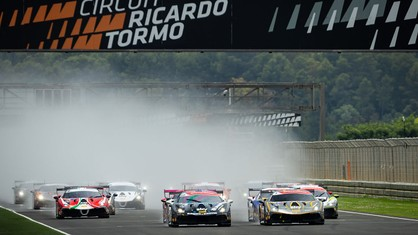 Niccolò Schirò (Rossocorsa), with his third consecutive victory in the Trofeo Pirelli, and Christian Brunsborg (Formula Racing) in the Am, triumphed in the first race in Valencia, round four of the Ferrari Challenge Europe.