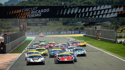 Race 2 of the Trofeo Pirelli at the Valencia circuit also turns out to be a thrill-packed affair.