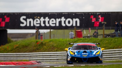 wift takes his second win of the season in the Trofeo Pirelli class, with Paul Simmerson winning in the Coppa Shell, in a drama-filled race at Snetterton.