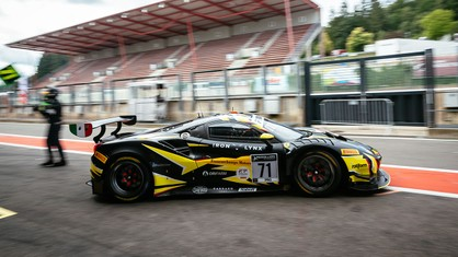 In a session twice interrupted by the red flag and heavily affected by traffic, the two Ferraris of Iron Lynx qualified for Friday evening's Super Pole, which will decide the starting grid for the 24 Hours of Spa-Francorchamps.