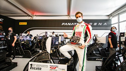 Fabrizio Crestani put in an authoritative performance at the wheel of the 488 GT3 Evo 2020 of Rinaldi Racing, winning the virtual race before the 24 Hours of Spa-Francorchamps.