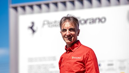 In the second episode celebrating Andrea Bertolini's 500th F1 Clienti single-seater test drive, the Italian driver takes us on a tour of the secrets of Fiorano and describes the perfect single-seater.