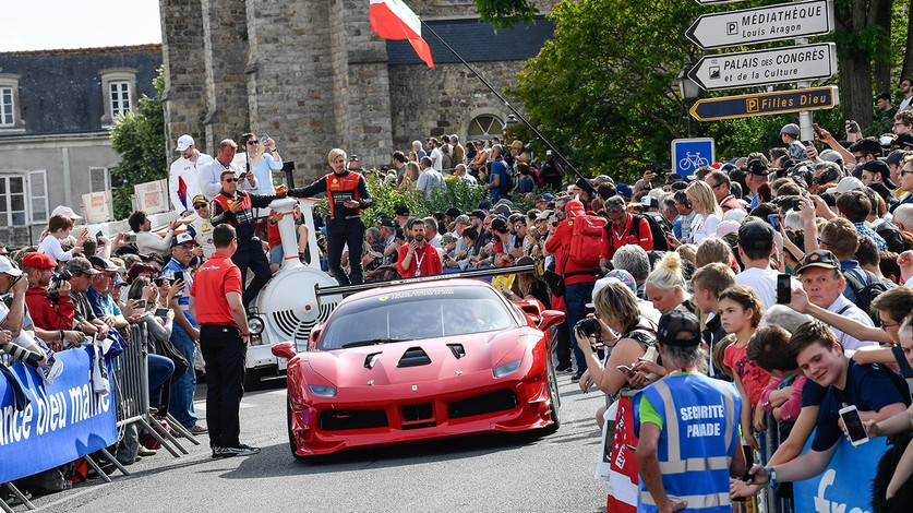 WEC -  Massive crowds for Grand Parade ahead of 24 Hours of Le Mans