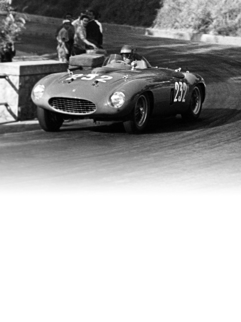 The Ferrari 250 Monza was powered by the V12 engine of the 250 MM
