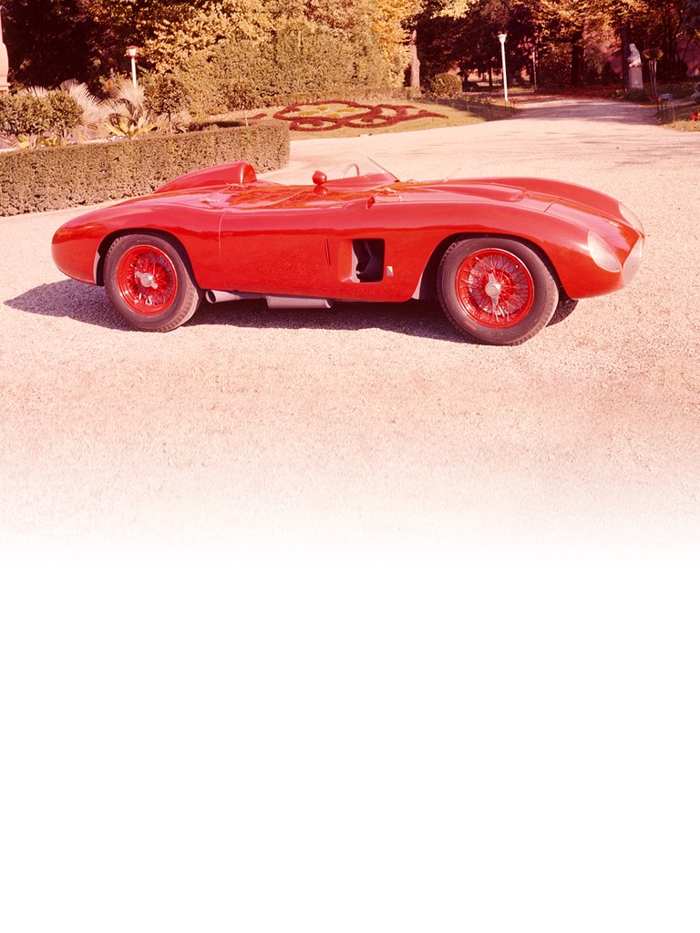 Ferrari 500 TR: Ferrari needed a very new special weapon with which to take on the Maserati four-cylinder two-litre.
