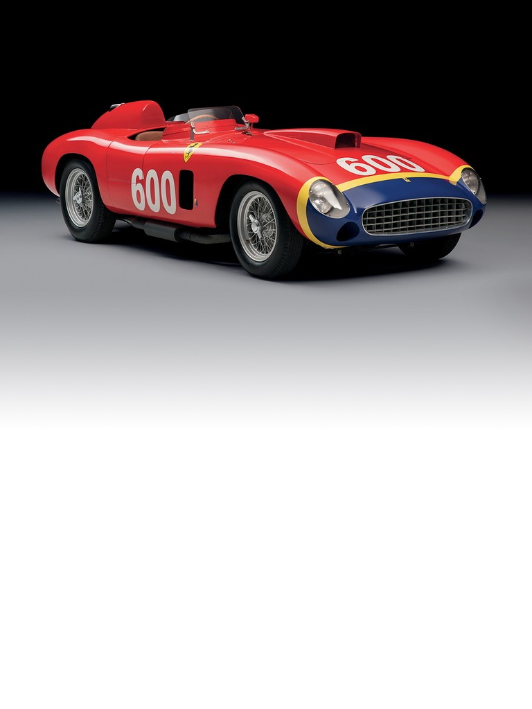 The Ferrari 290MM was mounted with a V12 engine with dual ignition and dry sump derived from the 4.5-litre Grand Prix.