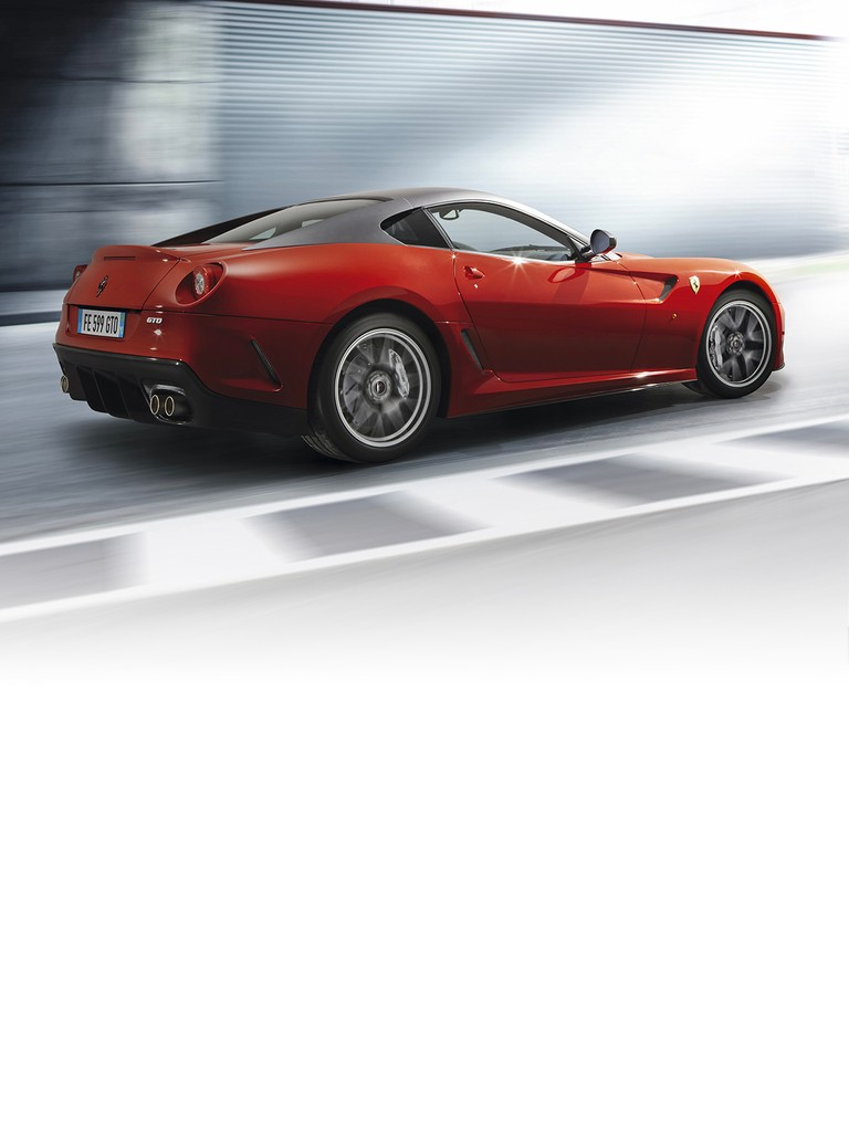 Many of the cutting-edge solutions sported by the   Ferrari 599 GTO are also the product of the Maranello engineers' experience in the development of the 599XX