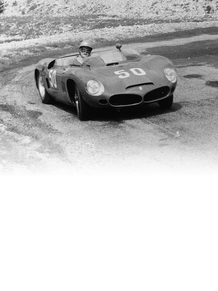 The sports models included the Ferrari 196 SP which did not have a Dino engine