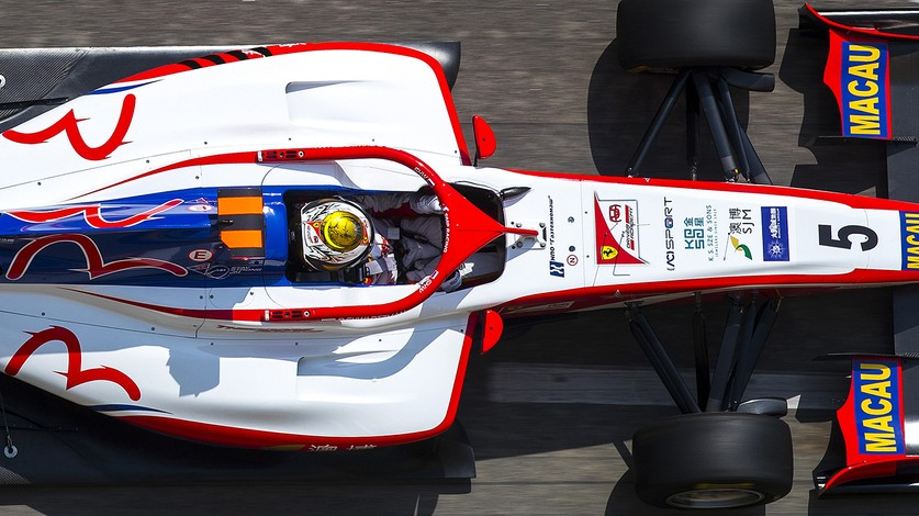 Formula 3 - Shwartzman on the front row in Macau