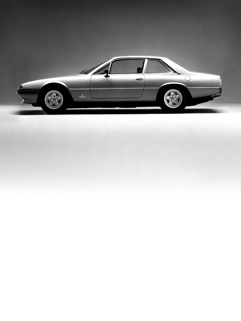 Ferrari 400 automatic: The 400 series replaced the 365 GT4 2+2 model at the 1976 Paris Salon