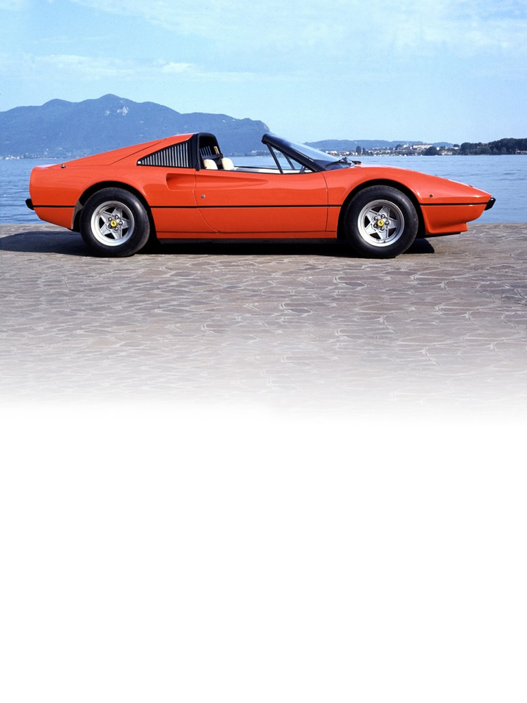 The Ferrari 308 GTS was developed in collaboration with Pininfarina in 1977 to help make that dream come true.
