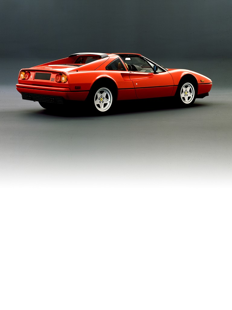 Ferrari 328 GTS: Pininfarina paid particular attention to styling details that influenced the car's CD and aerodynamic lift characteristics – with impressive results. Cabin ergonomics were improved and the shape of the seats revised to better suit the sporty driving style this type of car deserved. On all versions, low profile tyres and 16″ alloy wheels were available as an option.