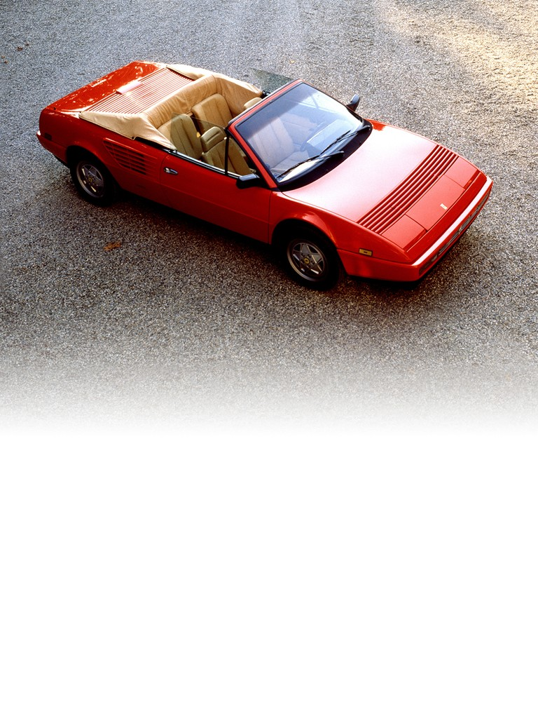 In 1985 the Ferrari Mondial 3.2 Cabriolet was equipped with the new 3.2-litre engine. This increase in power made it an even more exclusive car than before: no rival four-seater cabriolet of similar engine size could offer comparable performance.
