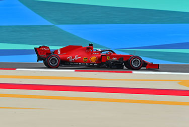 In the first free practice session for the Bahrain Grand Prix, the Scuderia Ferrari drivers did 53 laps, 29 for Charles Leclerc and 24 for Sebastian Vettel.